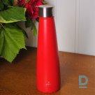 Красная тепловая бутылка